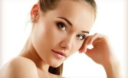 Rozmaite zabiegi dla ludzkiego ciała rekomendowane przez kosmetyczkę.