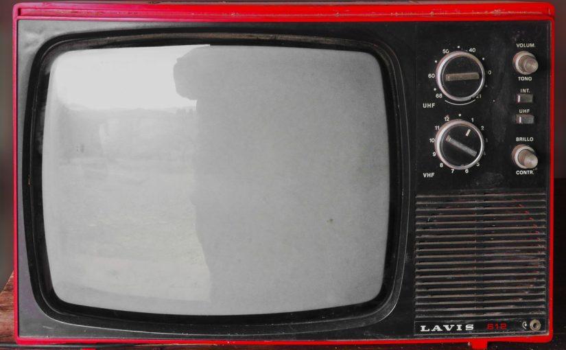 Samotny odetchnięcie przed tv, lub niedzielne serialowe popołudnie, umila nam czas wolny ,a także pozwala się zrelaksować.